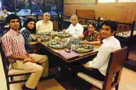 Kiran with her entire family at a dinner outing