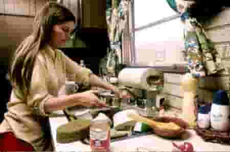 OMG! Indian men spend only 19 minutes a day in housework, women 298 minutes!