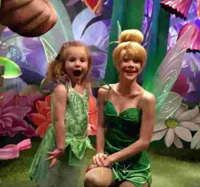 Shaylee was in shock to see Tinkerbell communicate though sign language!