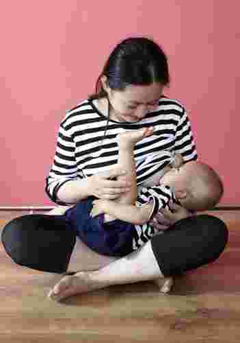 How can I breastfeed comfortably?