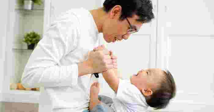 Study: A Father's Important Role in His Child's Language Development