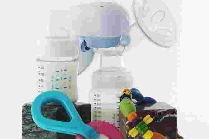 cleaning your breast pump