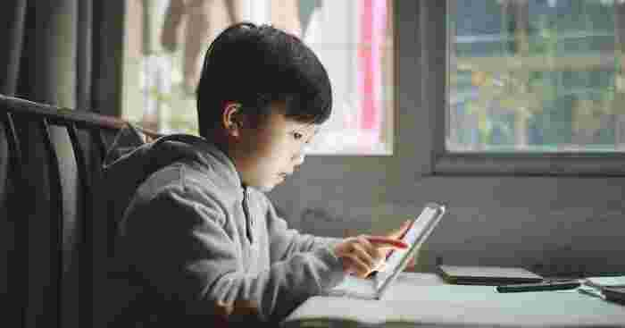 Can Reading E-books Be Bad for My Kids?