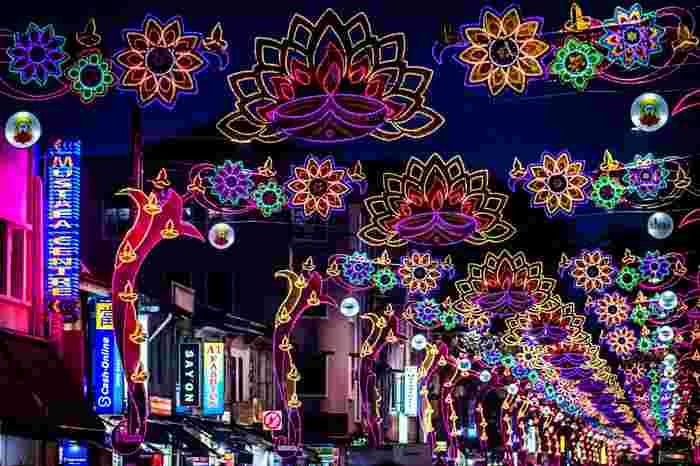 Deepavali Celebration in Singapore: Outsider's Guide to the Festival of Lights