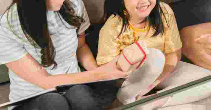 7 Ways To Teach Your Kids How To Receive Gifts With Gratitude