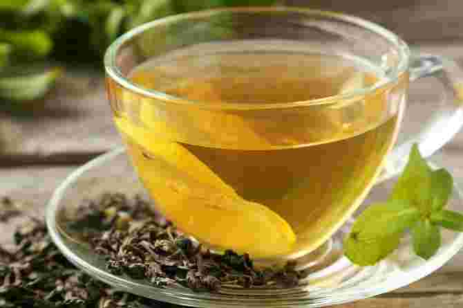Tea helps soothe you to sleep better in spite of the sleep problems during pregnancy