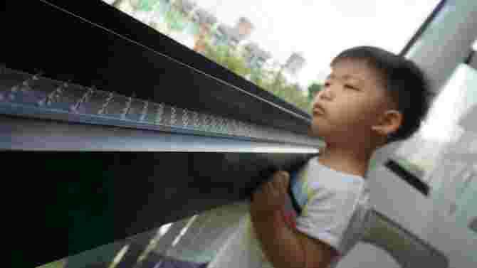 Childproof your balcony with Anti Grabbity safety strips