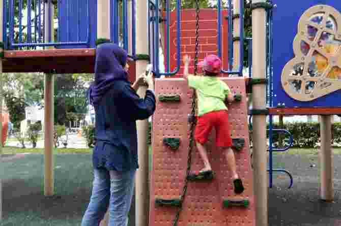 4 Things You Can Do to Help Your Child Learn at the Playground