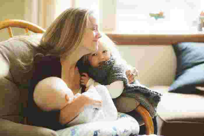 Heartbreaking: mum with breast cancer breastfeeds son for last time