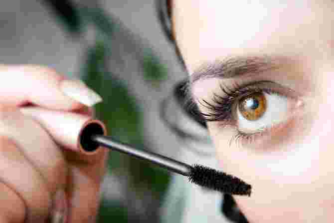 7 Makeup Mistakes That Are Actually Making You Look Older Than Your Age!