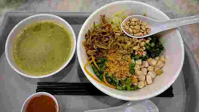 Healthy Hawker Food in Singapore: 11 Must-try Dishes!