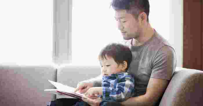 5 Concrete Reasons Why Dads Should Read To Their Kids More