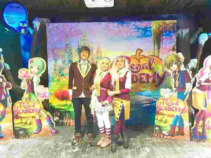 Enrol in the Regal Academy and go on a whimsical adventure with Rose Cinderella and friends at Snow City!