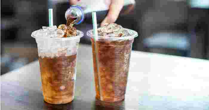 Study: Cola Consumption May Lead to Early Periods for Your Daughter