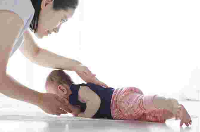 6 Exercises to Strengthen Your Baby's Muscles