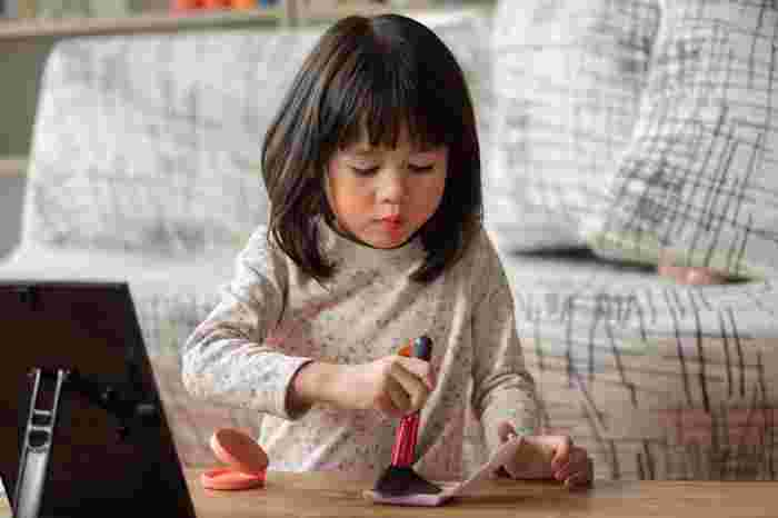Games to Play With Kids Indoors: 8 Fun Games You Can Play When You're Too Tired to Move