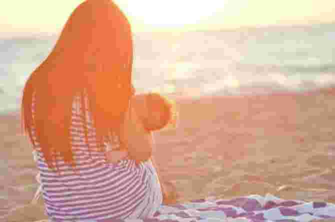 Transgender woman becomes the first in the world to breastfeed a baby!