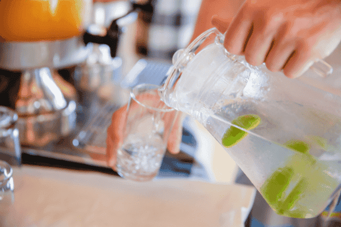 how much water to drink when pregnant