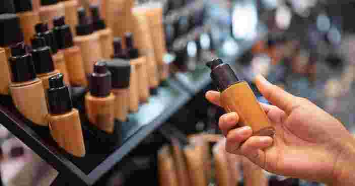Pregnancy-safe Makeup and Skincare: Choosing Products Good For Your Skin