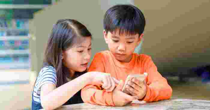 Smartphones Can Become Like 'Cocaine For Kids,' Says Study