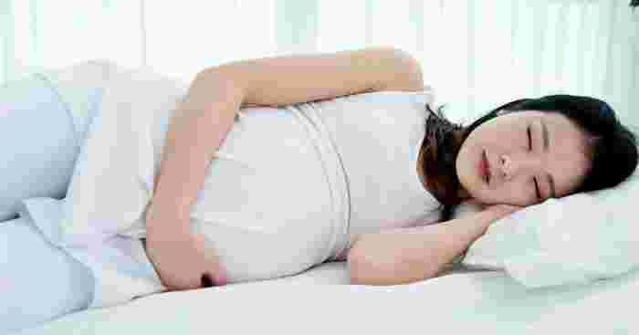 safe pregnancy sleeping positions