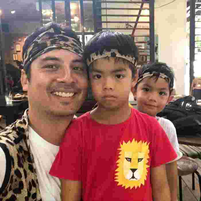 shan wee and his two boys