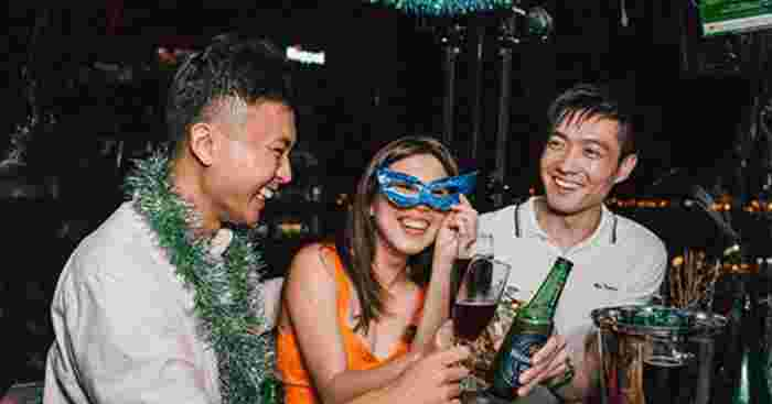 Top Restaurants To Spend Your New Year's Eve 2021 With The Family In Singapore