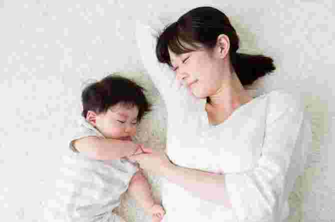 Is It Safe For Your Baby To Sleep With A Pillow? Here's What You Need To Know