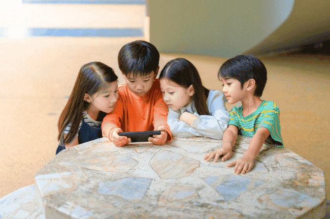 Your Kids Should Not Be On Clubhouse Social. Here's Why!