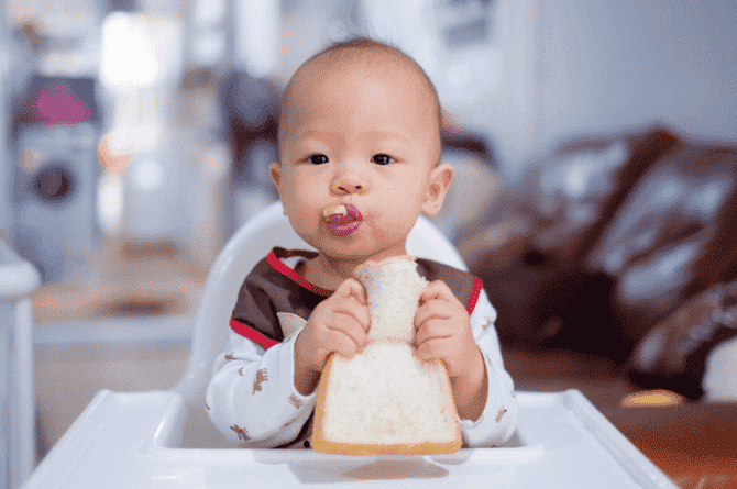 Expert Talk: 4 Simple Ways To Encourage Your 10-month-old To Self-feed