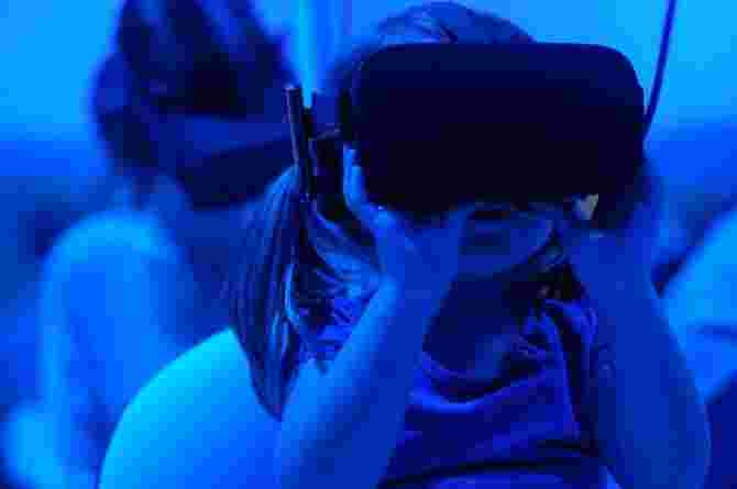 are vr headsets safe