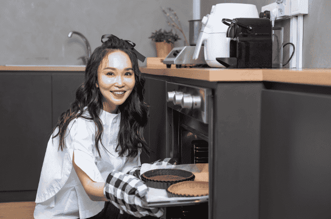 Fann Wong Unveils New Online Pastry Brand, Fanntasy