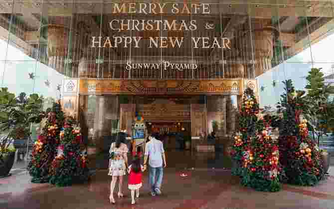 Redeem Rewards & Exclusive Gifts at Sunway Pyramid's Blessed Christmas