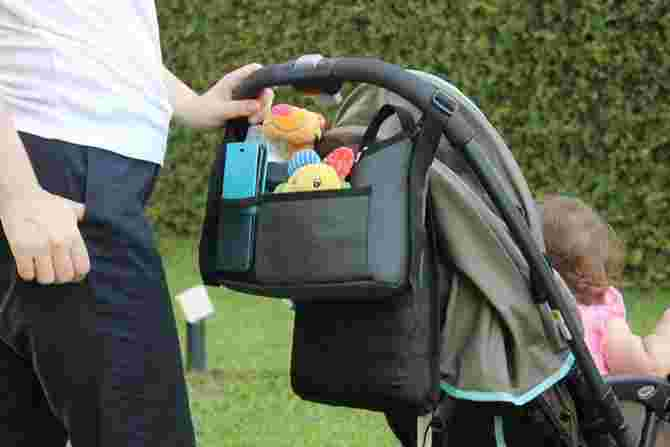 4 Best Stroller Bags to Use When Travelling With Small Children