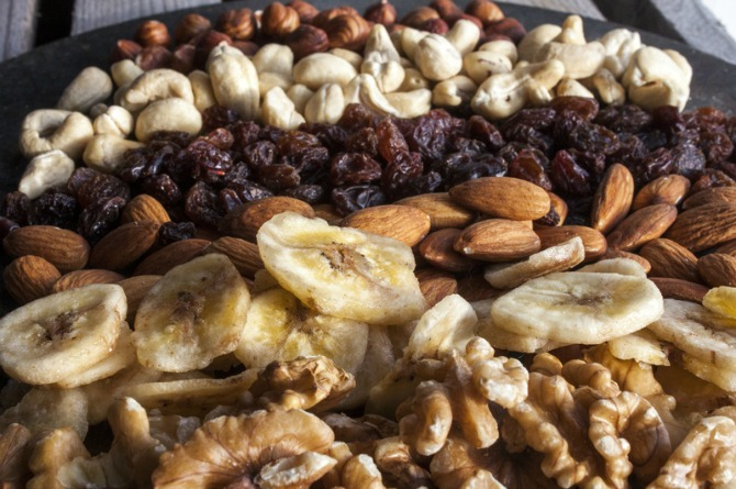 benefits of dried fruits and nuts