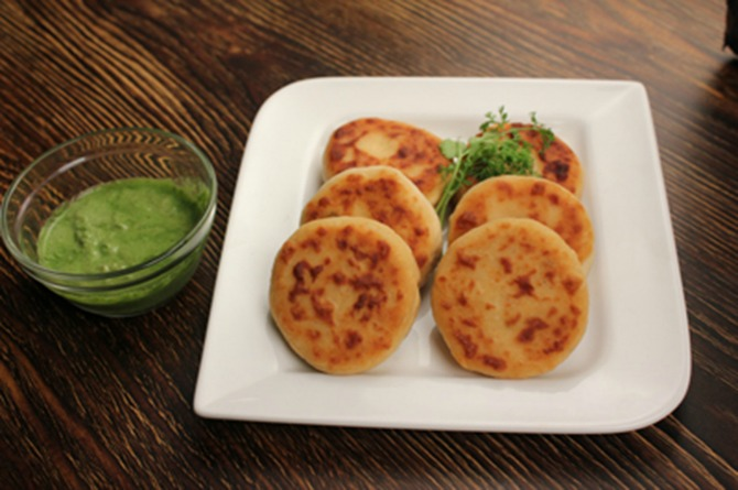 src=http://admin.theindusparent.com/wp content/uploads/2016/05/Dahi Ke Kabab.jpg Mothers Day Special: A quirky twist to your mums summer favourites