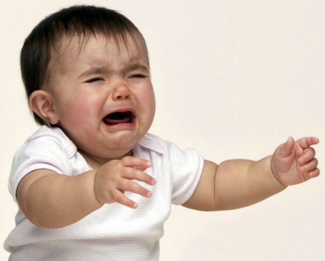 src=http://hindi admin.theindusparent.com/wp content/uploads/sites/10/2016/01/baby care 10 ways to stop a crying baby 8.jpg वो 9 बातें जो एक माँ को कभी ignore नहीं करनी चाहिए !