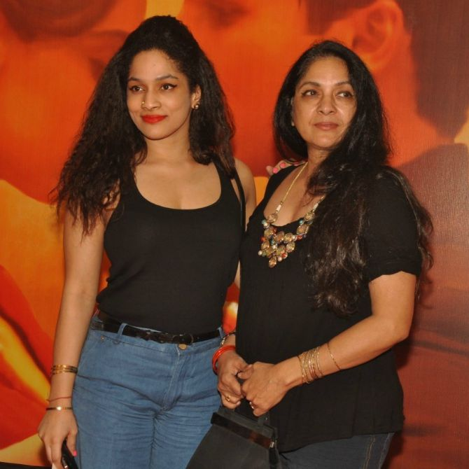 i0vb5afl1i25en4u.D.0.Neena-Gupta-with-daughter-Masaba