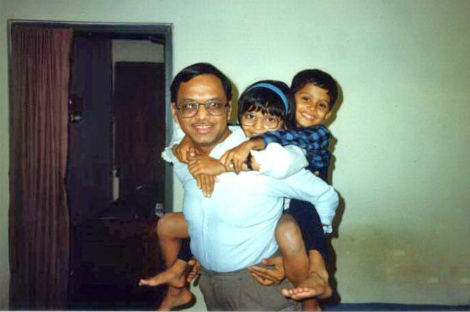 murthy-with-kids