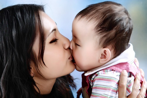 5 signs your baby loves you