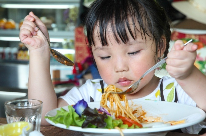 shutterstock 489353230 WATCH three young moms conquer their fear of cooking for their family!