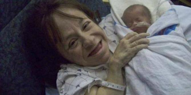 LOOK: The world's smallest mother and her family have defied the odds