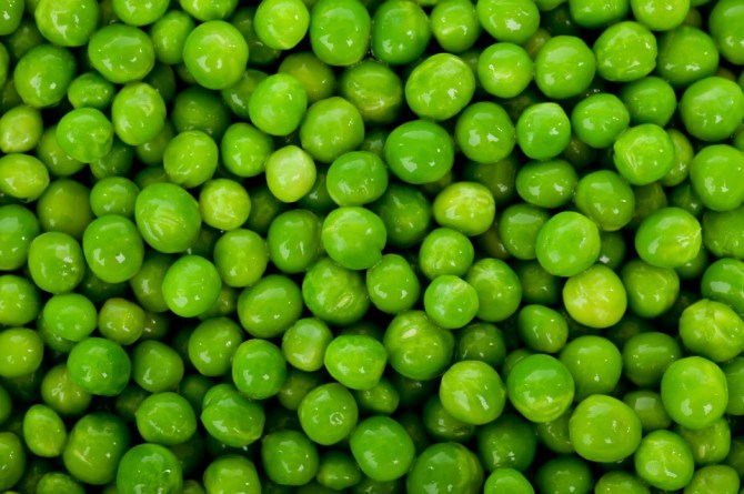 peas 10 Healthy finger foods that your baby will love