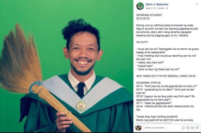 viral graduation photo