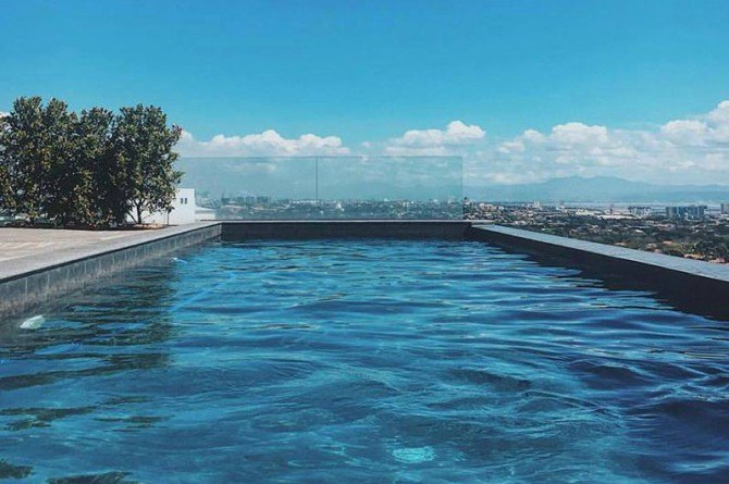 infinity pool Best staycation destinations this coming Mother's Day!
