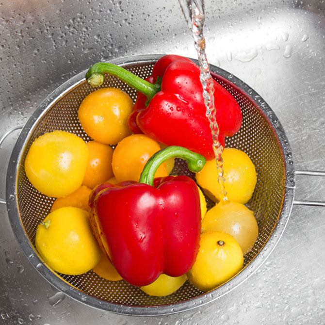 Acts as a natural fruit and vegetable wash
