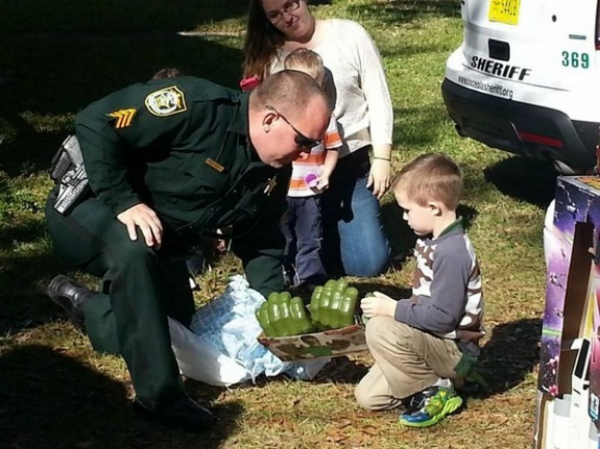 Soon after his mother posted on Facebook, members of the community came to greet the little guy a happy birthday!