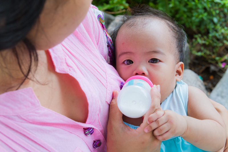 """""""You will not be as close to your child as you would if you breastfeed her."""""""