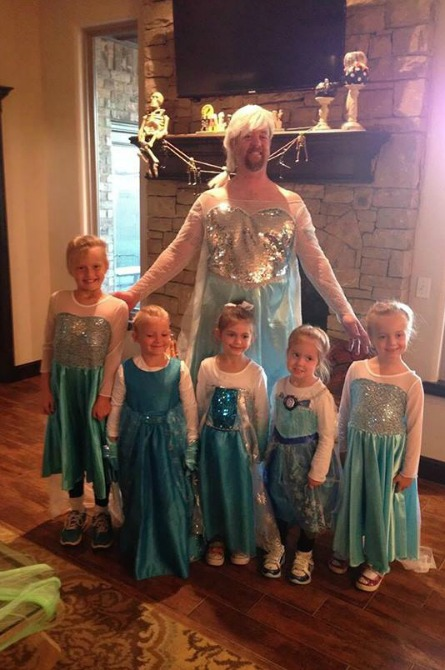This dad just let it go, transforming into a princess just to make his princesses happy!