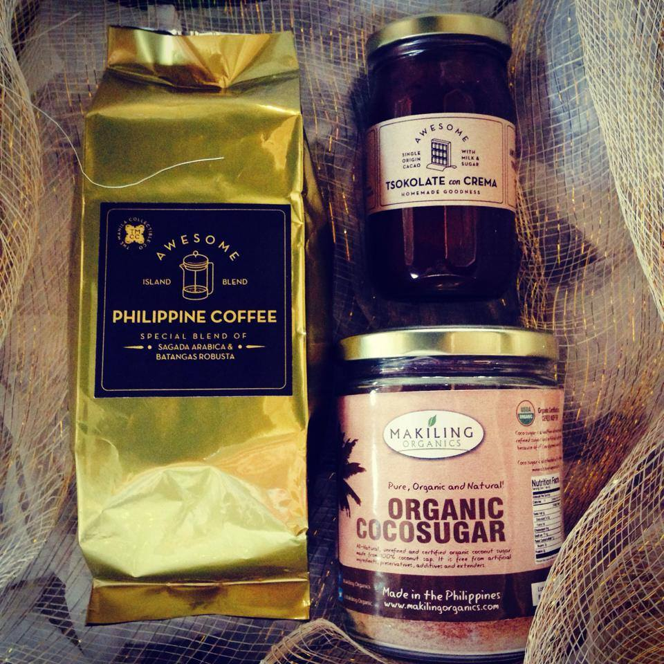 4. Coffee and Tsokolate gift baskets from The Manila Collectible Co.